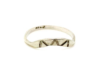 H A N D M A D E / curved band / sterling silver arc