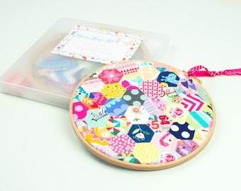 Hexie Hoop Craft Hand Sewing Kit Beginner Sewer Gift For Her DIY Kit Birthday Present Handmade Gift DIY Craft Kit Mindfullness