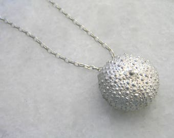 Sea urchin silver necklace. Solid sterling silver urchin pendant. Silver beach jewelry. Beach wedding necklace. Nature inspired.