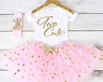 Two Cute. 2nd Birthday Outfit. Girls Birthday Outfit. Birthday Shirt. Birthday Tutu Outfit. Birthday Girl. 2nd birthday S2 2BD (LIGHTPINK)
