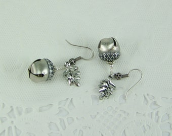 Acorn Earrings, Jingle Bell Earrings, Silver Acorn Earrings, Oak Leaf Earrings, Belgariad Earrings, Acorn Bell Earrings, Ce'Nedra Earrings
