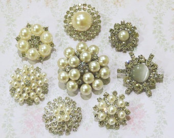8 pcs Assorted Metal Pearl Rhinestone Buttons with Shank on the back Round Diamante Crystal for Hair Flower Wedding Pillow Napkin garment