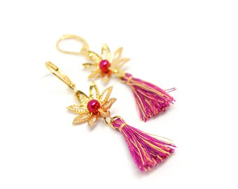 Shaman - Earrings with flowers and gold tassels