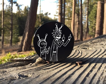 Large 2.5inch Custom Engraved Herb Grinder - Rick and Morty Art Peace Among Worlds - 4 Piece Aluminum