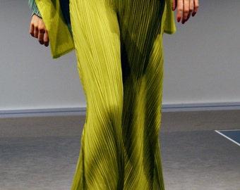 PLEATS - WeAr - textile body adornment