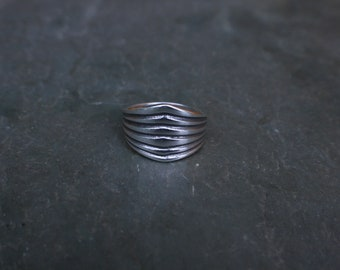 sterling silver geometric lines ring