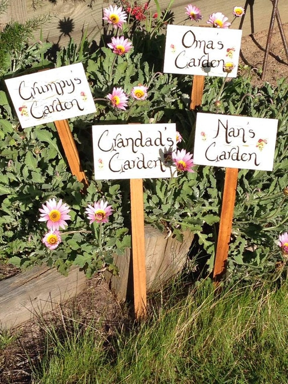GARDEN STAKES/Garden Signs/personalized Signs/Mothers