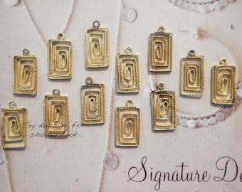 12 Brass 16mm Rectangle Wire Pendants