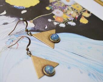 """Earrings """"Art nouveau"""" bronze colored, speckled blue cabochon"""