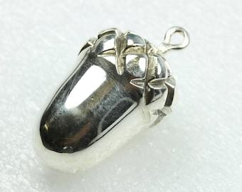 Stunning Acorn Sterling Silver Pendant