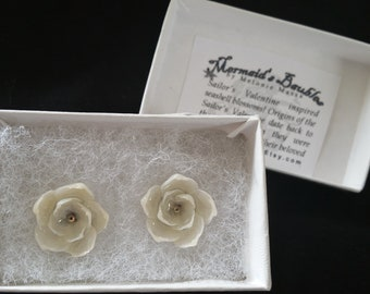 White SEASHELL Flower Post Earrings with Swarovski Crystals