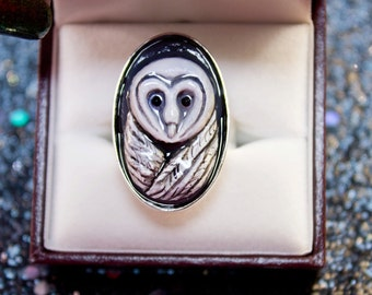 White Owl Ring Handpainted Sculpture 20x30 mm Oval