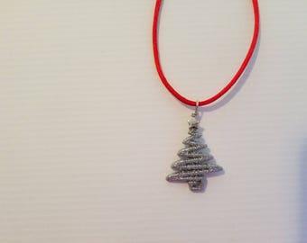 White shinning christmas tree necklace