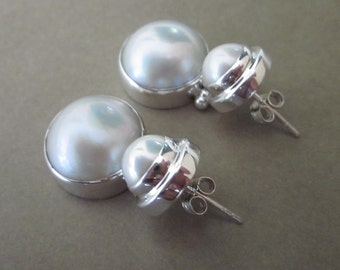 Striking Sterling Silver Pearl Stud Earrings / White Mabe Pearl Earrings /  Silver 925 /  Bali Handmade Jewelry