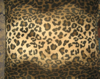 "19"" X 18"" Leopard/Cheetah Decorative Pillow"