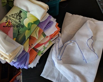 Produce bag. Eco friendly washable reusable mesh bags. Farmers market shopping grocery store. Upcycled materials. Pack of 5 drawstring bags