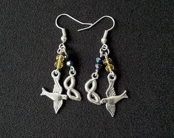 Laurel Dangle Earrings