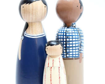 Personalized Custom Family Portrait of 3 // Anniversary Gifts Couple //  Unique Family Portrait // Wooden Peg Dolls