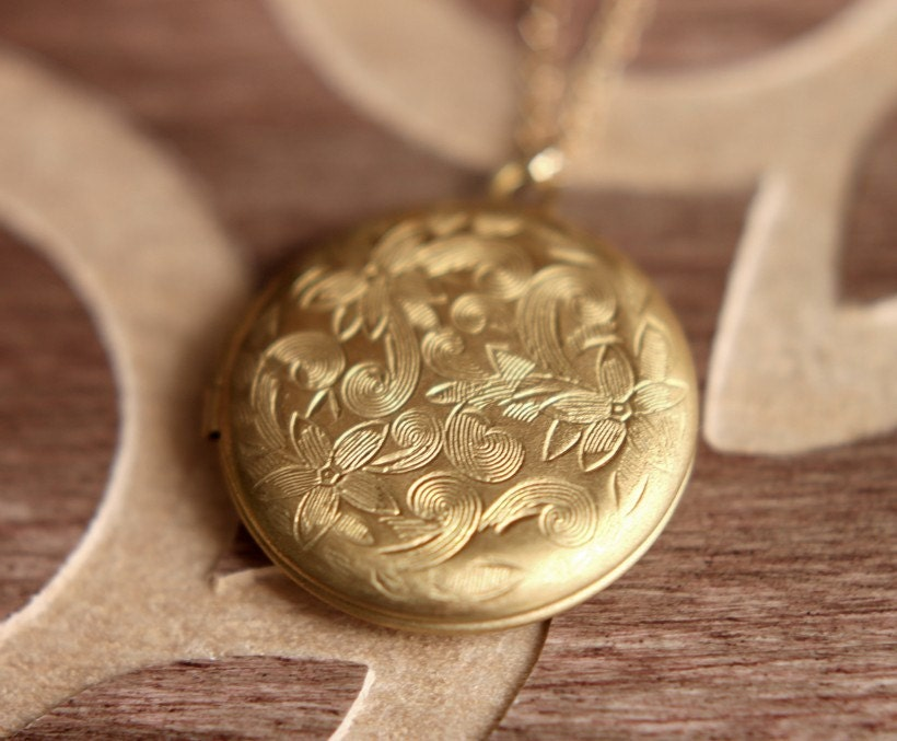 round gold borsheims yellow locket lockets pendant