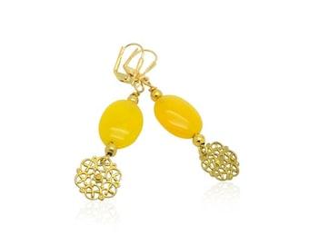 Boucles d'oreilles de perles de jade jaune, pierre naturelle boucles d'oreilles, cadeaux de Noël pour elle, cadeaux pour maman, filigrane d'or boucles d'oreilles de charmes pour elle