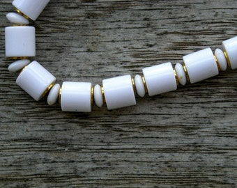 Vintage White Ceramic Beaded Necklace