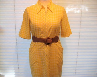 Yellow plaid everyday dress, gingham check dress, work dress, office dress, day dress, straight shift dress, 1960s dress, size large