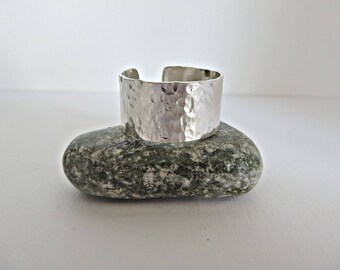 Men's silver ring, Sterling silver ring, Wide men's ring, Wide silver ring, Hammered silver ring, Adjustable men's ring, Made in the UK