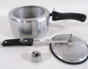 Pressure Cooker, Vintage 2 Liter Hawkins Universal Wrought Aluminum Retro Kitchen Cooking Mid Century, Complete
