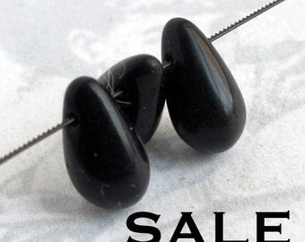 Vintage West German Glass Black Teardrop Beads (12X) (B525) SALE - 50% off