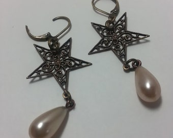 Pearl and Star earrings; Star Earrings; Filagree Earrings; Drop Earrings; Dangle Earrings