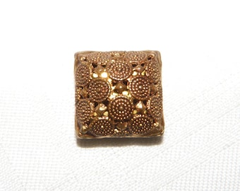 Twinkle Square Button with Gold Liner under Circle Design, NBS Medium