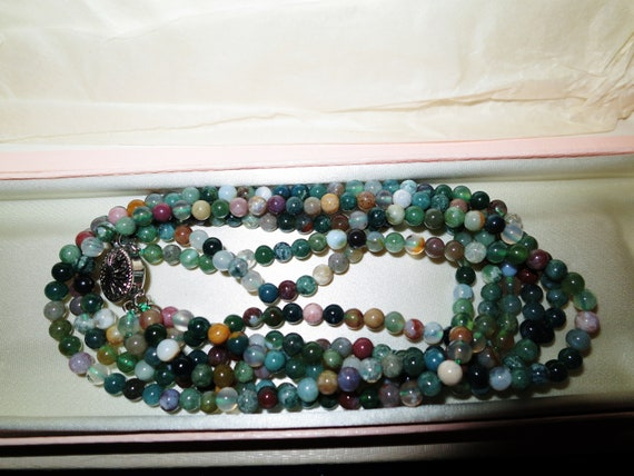 Lovely 4mm round knotted 3 strand mixed agate beaded necklace