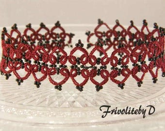 Frivolité choker in burgundy red with black beads and matching bracelet