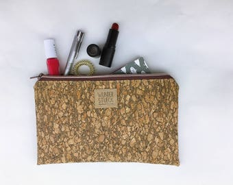 Cork clutch made of Korkstoff with gold effects