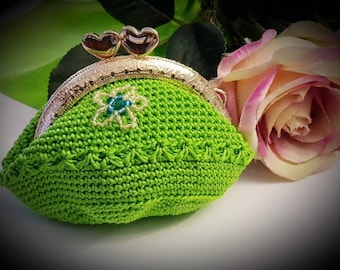 Purse made of crochet green color