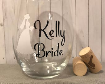 wedding glass, Bride wine glass, bridal party gift, wedding gifts,