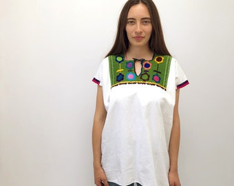 Grass Blouse // vintage boho 70s 1970s white Mexican ethnic hand embroidered cotton dress hippie hippy green tunic // O/S
