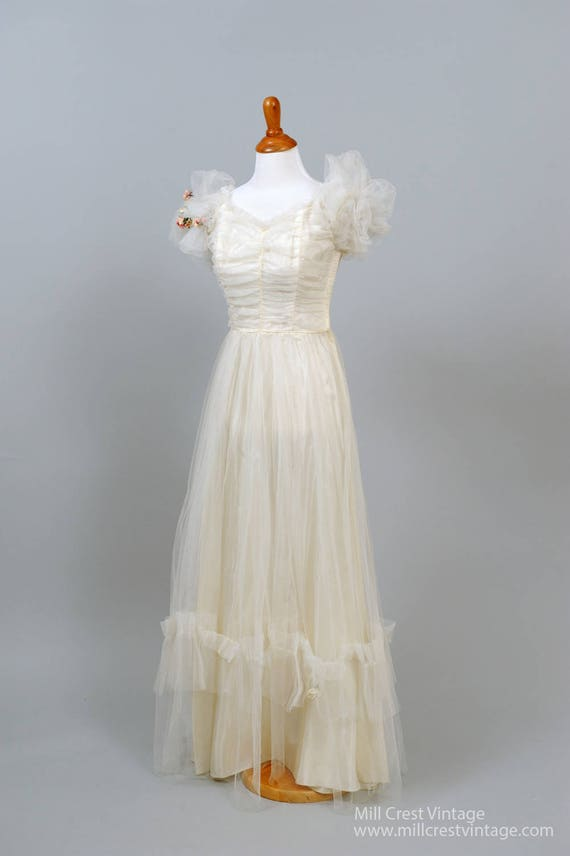 1950 Rosebud Vintage Wedding Gown