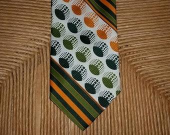 Vintage Mens Necktie 1970s Necktie Geometric Necktie Mod Necktie Psychedelic Necktie Wide Necktie 70s Tie Mens Tie 1970s Tie Orange Green