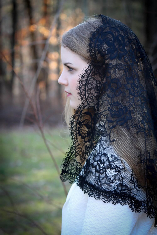 Evintage Veils~ Black Spanish Lace Floral Lace Mantilla ...