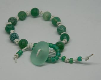 Emerald Waters, green, white, knotted
