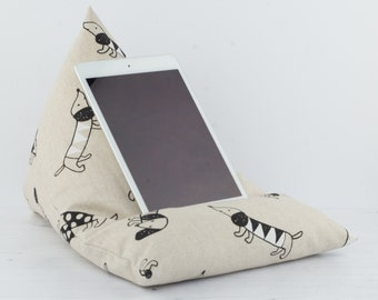 Tablet Pillow, Gadget Pillow, Ipad Stand, Dachshund, Tablet Stand, Kindle Stand, E-reader Stand, Book Stand, Sausage Dog, Wiener Dog