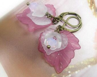 Flower Leaf Earrings, Pink Lilac Flower Earrings, White Flowers, Lucite Flower Earrings, Swarovski Crystal Jewelry, Soft Feminine Fashion
