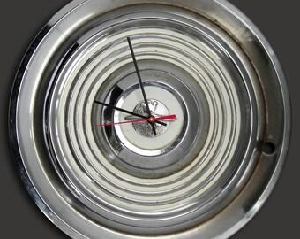 Olds Wall Clock 1954 - 1955 Oldsmobile Hubcap Clock Retro Car Hub Cap Clock - Globe Trotter