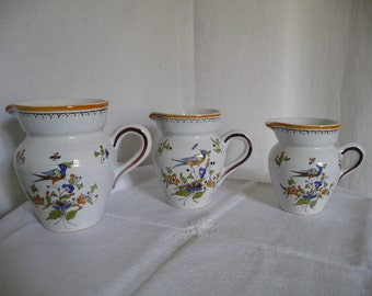 Series of 3 pitchers Moutiers reason bird