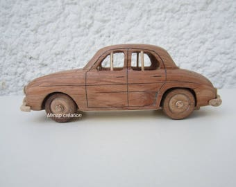 Car in a Renault Dauphine Iroko wood.