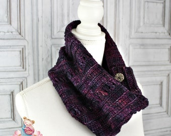 Crochet scarf, Purple scarf, Button scarf, Merino wool, Infinity scarf, Womens cowl, Neck warmer, Gift for Mom, Buttoned scarf, Gift for her