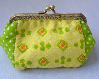 Frame purse green and yellow, Make up bag, kiss lock cosmetic little clutch, kisslock coin purse, clasp purse