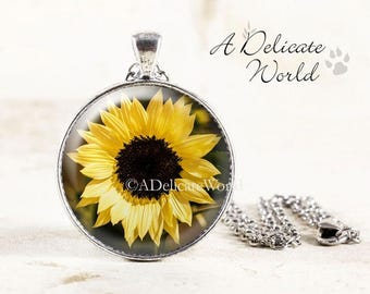 Sunflower Necklace, Yellow Flower Pendant, Gardening Gift for Women, Sunflower Wedding, Bridesmaid Jewelry, Summer Photography, Floral Charm