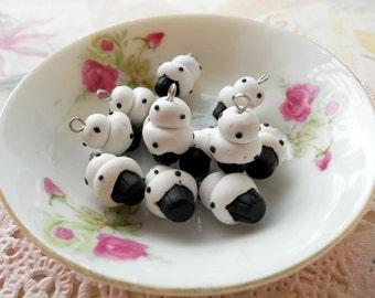 4 Mini Cupcakes Charms - Minicup10